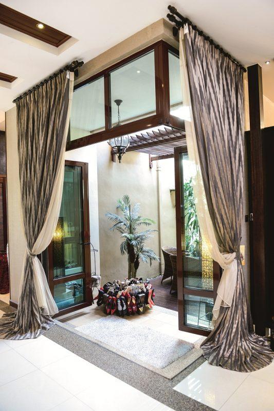 Kerana Sangat Menyenangi Bali Saya Bawa Aura Atmosferanya Ke Rumah Ini Jom Tinjau Kediaman Ala Tropika Milik Datin Lelawati Nona