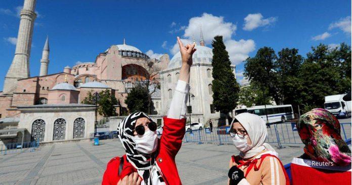 Takbir! Allahuakbar! Usaha Erdogan Memasjidkan Hagia Sophia Disambut Azan Selepas 85 Tahun
